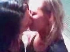 Hot brume girls kissing