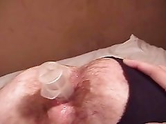 Dude opens wide his asshole to allow there different objects