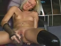 Blonde goes wild on a webcam