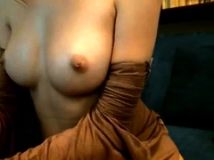 amateur vicctoriaa flashing boobs on live webcam