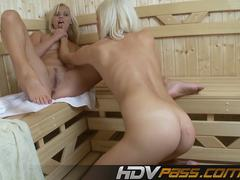 Lesbian Blondie Babes Keana Moire nd Jeny Pussy Licking