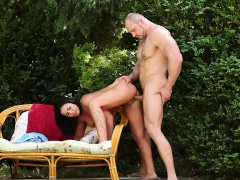 Ho sucks outdoor bi orgy