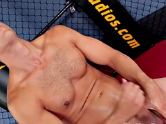 ripped amateur solo hunk jerking his cock