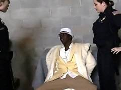 Shady pimp gets his cock hard for cops
