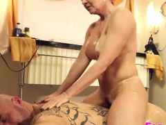 MILF Janette gets her pussy hammered