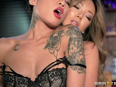 Two hotties leave classy dinner for some lesbian fun