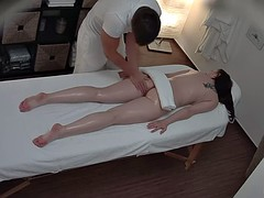 Hidden camera shows a massage with a very happy ending
