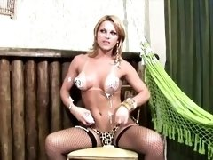 Horny shebabe spreads whipped cream all over her round boobs