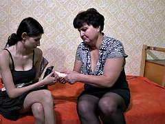 Oldnanny elderly l enjoying lesbian strap