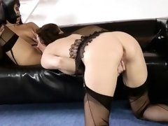 British les milf fisted by ebony beauty