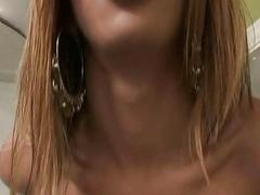 Amazing Shemale Sucks A Large Cock