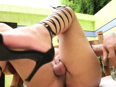 Extre lady-man gets the best relaxation of whacking off
