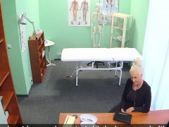 Dirty doctor fucked porn star