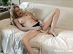 Yanks Blondie Jeannie's Giant Schlong