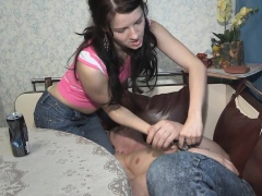 Fingerfucked girlfriend cuckolds her bf