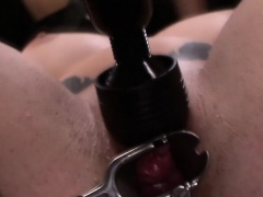 Tied lez slave clamped