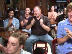 These boyz know how to engulf a weenie in public