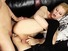 Sexy TS Tyra Scott ass fucked by hot asian shemale Venus Lux