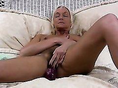 Hairy mature twat on a sexy masturbating blonde