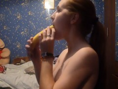 Euro teenager Oksana tease with blueberry 2