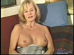 Tara is a beautiful over 40 mature MILF housewife that takes