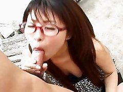 Japanese Mimi Kousaka gives a perfect blowjob
